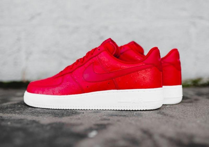 nike air force 1 low ostrich 1