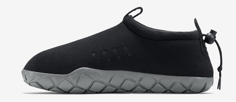 nike-air-moc-fleece-black-grey-1