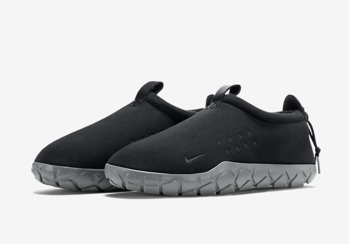 nike-air-moc-fleece-black-grey-681x478