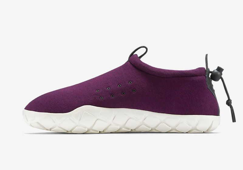 nike-air-moc-fleece-mulberry-1