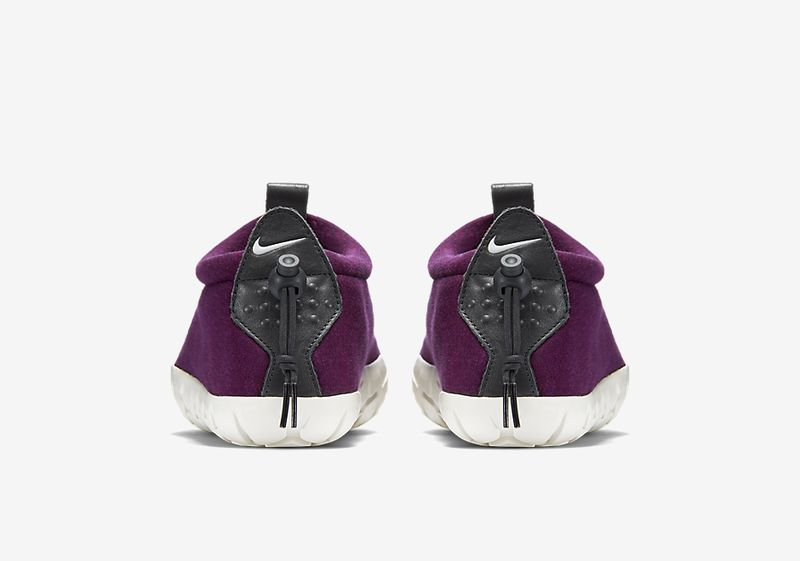 nike-air-moc-fleece-mulberry-5