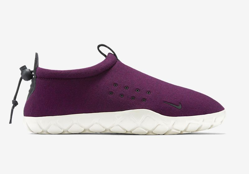 nike-air-moc-fleece-mulberry