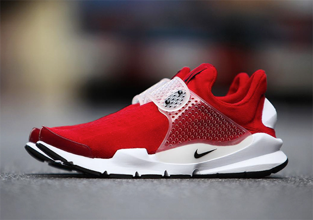 nike-sock-dart-university-red-2016-01