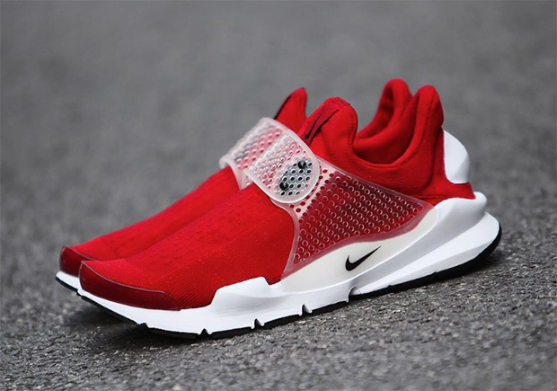 nike-sock-dart-university-red-2016-02