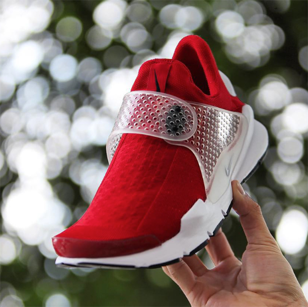 nike-sock-dart-university-red-2016-03