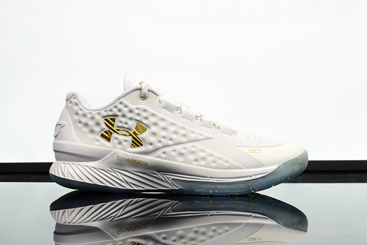 under-armour-curry-1-low-championship-01
