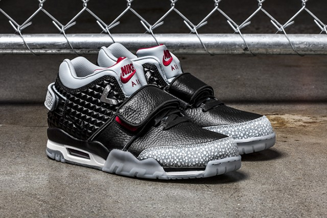 NIke_Air_Trainer_Cruz_Black_1-640x428