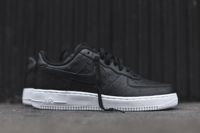 Nike-Air-Force-1-07-LV8-Black-Ostrich-1-681x454