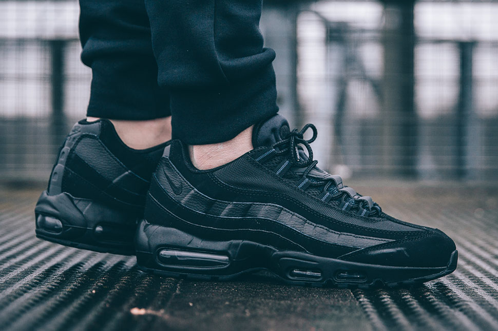 Nike-Air-Max-95-All-Black
