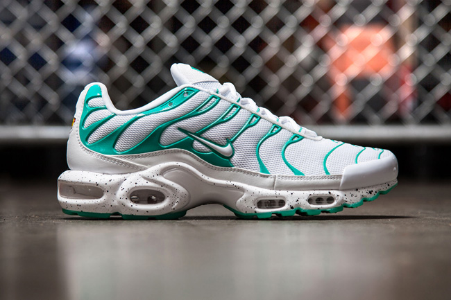 Nike-Air-Max-Plus-Tuned-1-Mint
