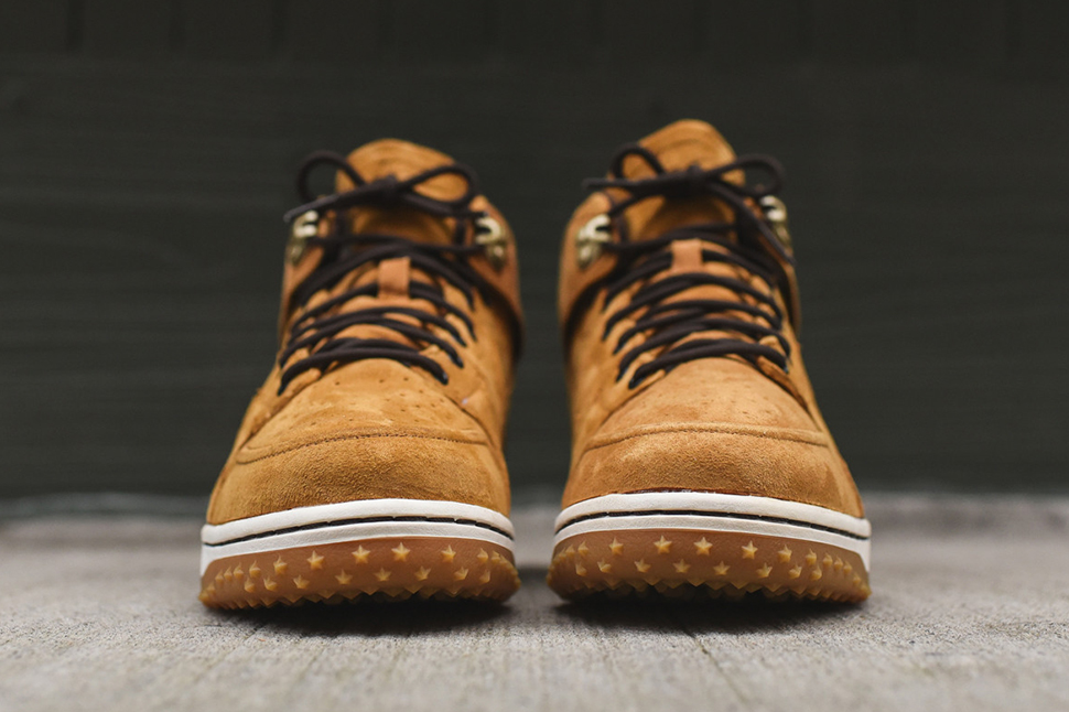 Nike-Dunk-CMFT-Sneakerboot-Wheat-5