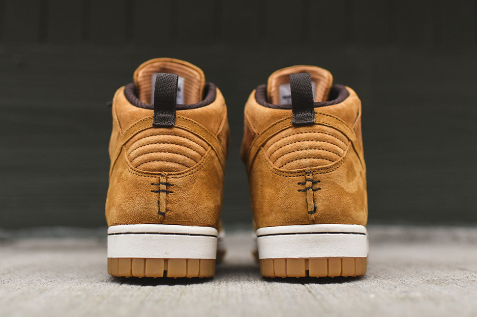 Nike-Dunk-CMFT-Sneakerboot-Wheat-6