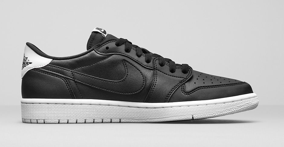 air-jordan-1-retro-low-og-black-white-3