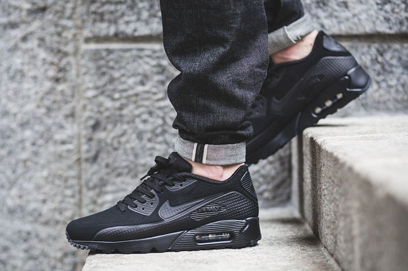 air-max-90-ultra-moire-blackout