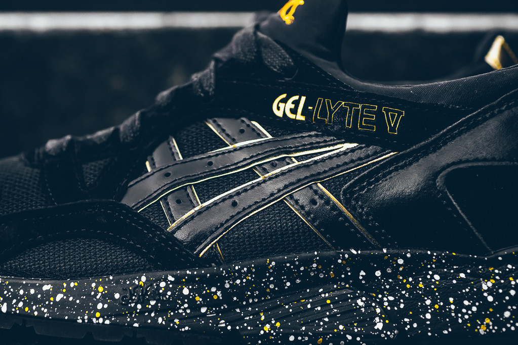 atmos-x-Asics-Gel-Lyte-V-Black-Gold-2