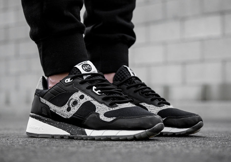 bait-saucony-shadow-5500-giant-leaps