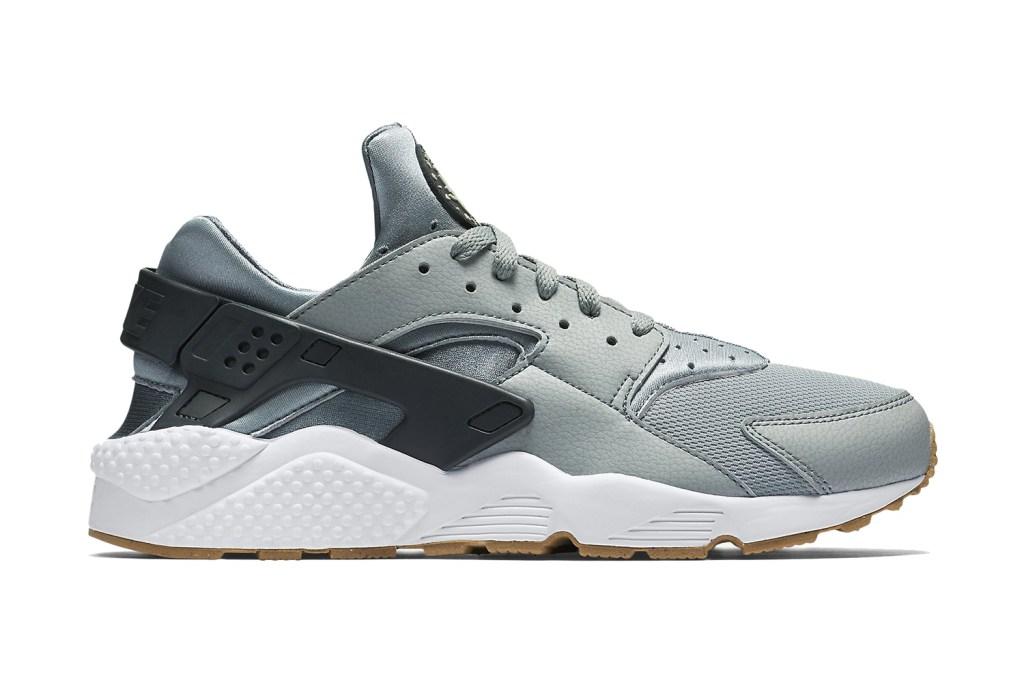 nike-air-huarache-shark-1