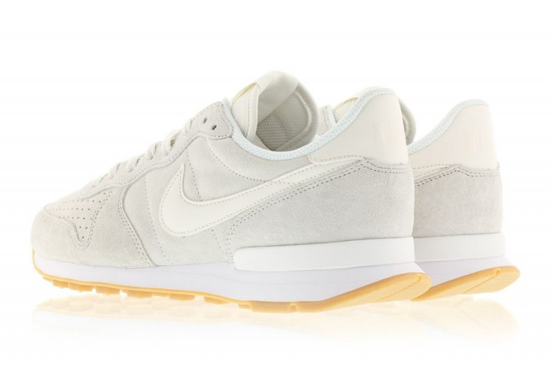 nike internationalist phantom white_02