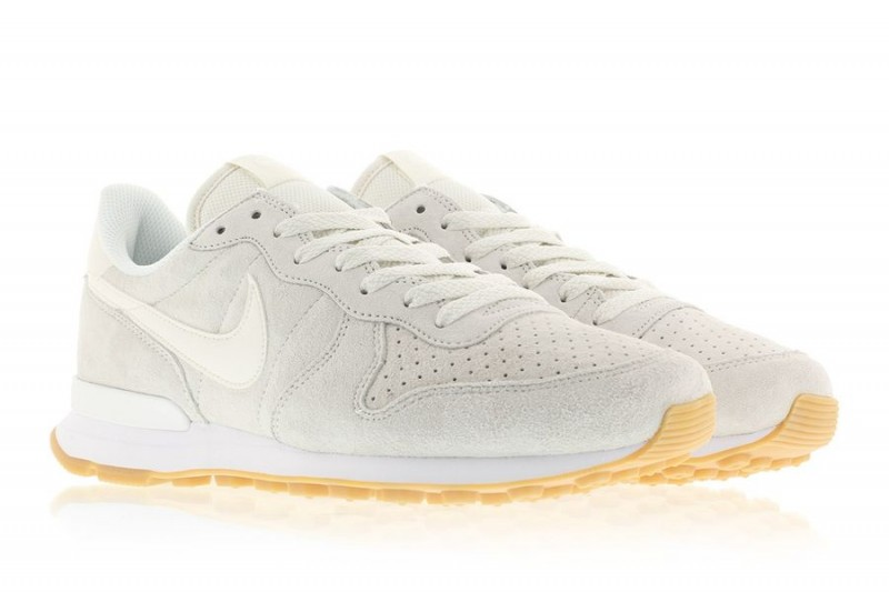 nike internationalist phantom white_03