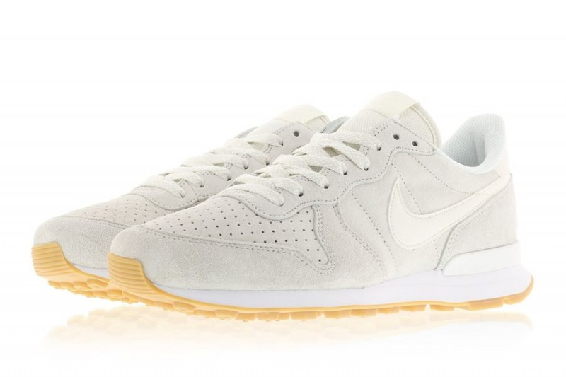 nike internationalist phantom white_04