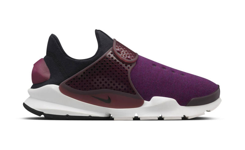 nike-sock-dart-fleece-mulberry