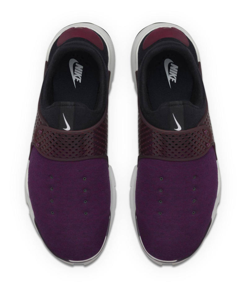 nike-sock-dart-fleece-mulberry_03