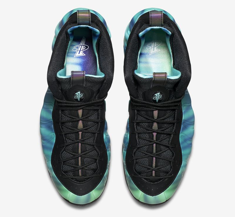 northern-lights-all-star-nike-foamposite-one_02