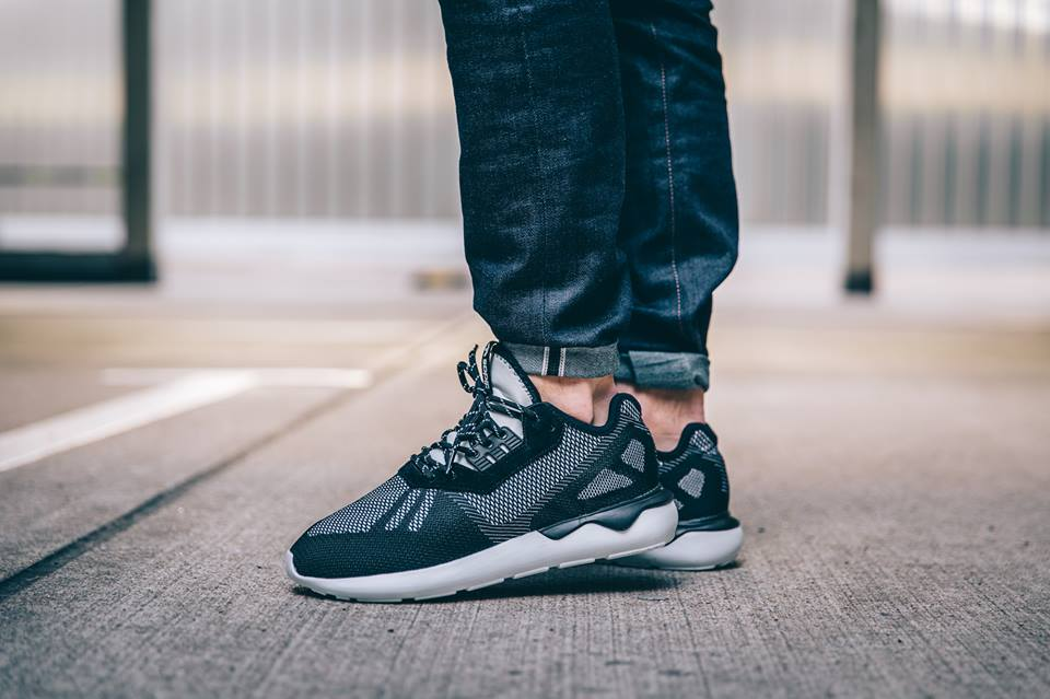 adidas-tubular-weave-core-black