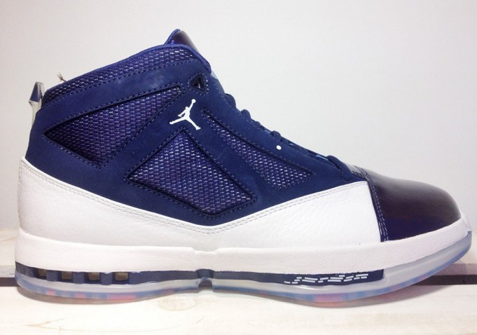 air-jordan-16-retro-white-navy-november-2016-4-681x478