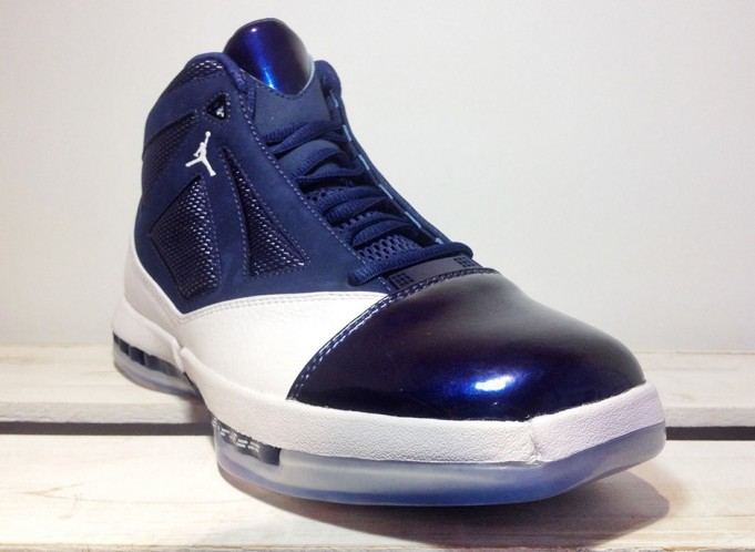 air-jordan-16-retro-white-navy-november-2016-5-681x498
