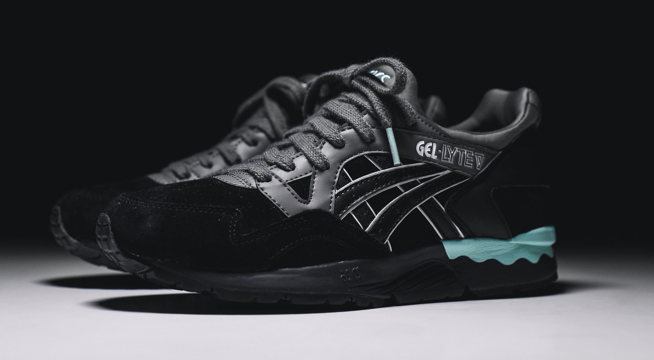 asics-gel-lyte-v-black-mint-womens-2