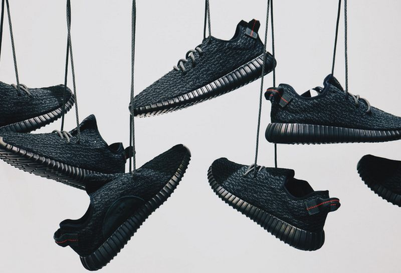 free-yeezy-pirate-black