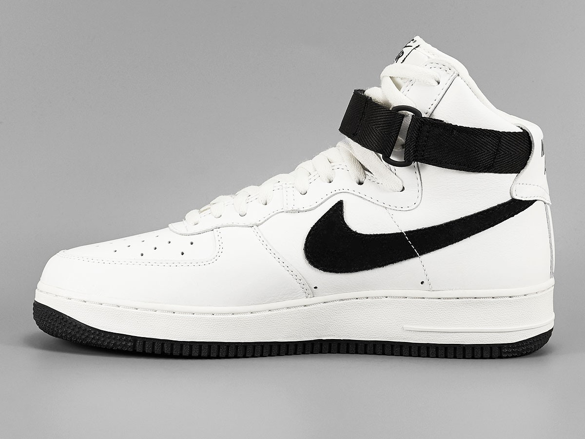 nike-air-force-1-high-retro-summit-white-black-1
