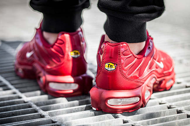 nike-air-max-plus-chili-pepper-1