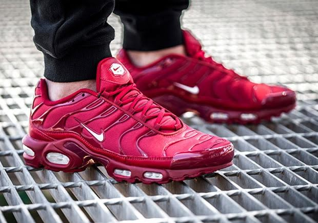 nike-air-max-plus-chili-pepper