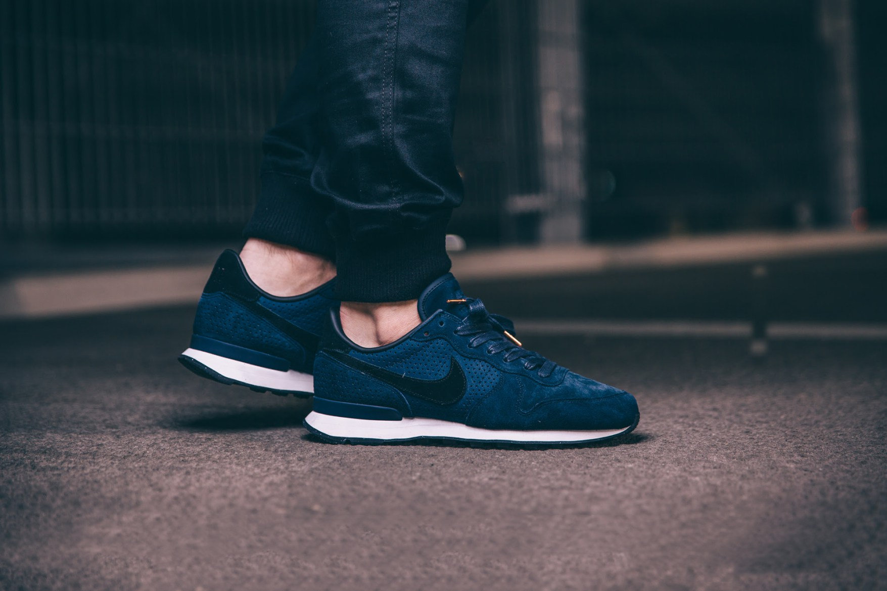 nike-internationalist-lx-obsidian-0202