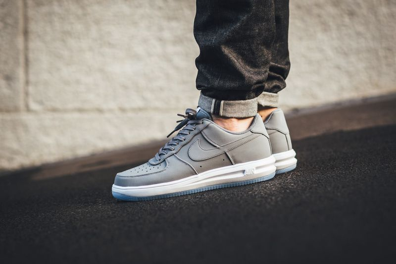 nike-lunar-air-force-1-wolf-grey