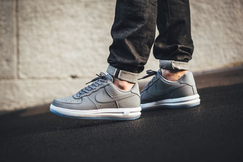 nike-lunar-air-force-1-wolf-grey_02