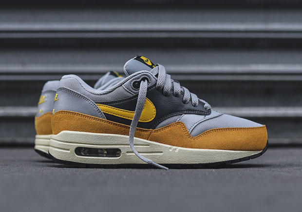 nike-wmns-air-max-1-wolf-grey-gold-leaf-1
