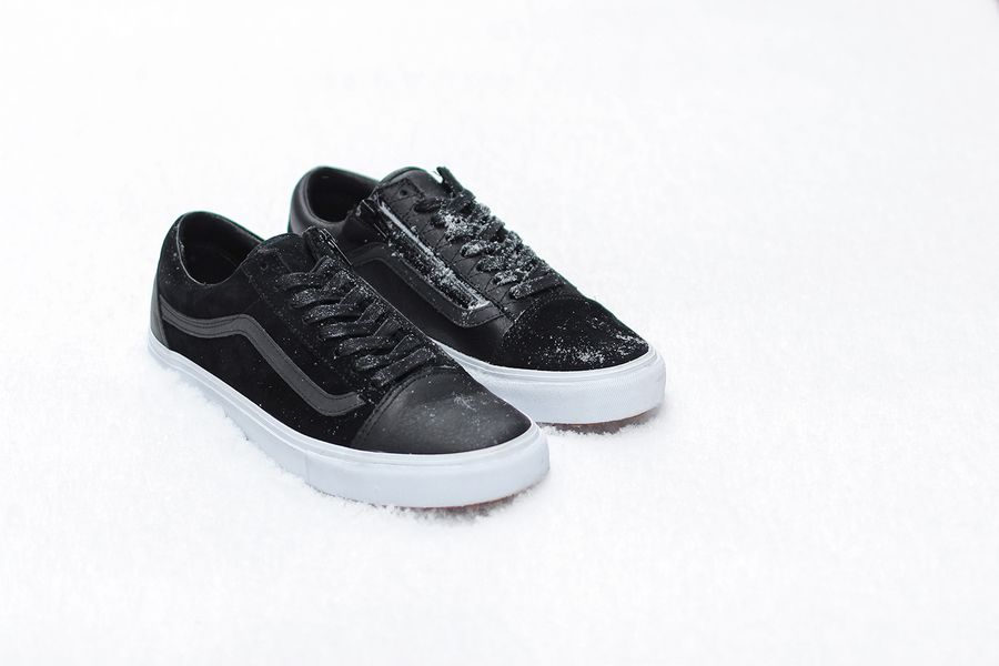 vans x raised by wolves x off the hook pack_05