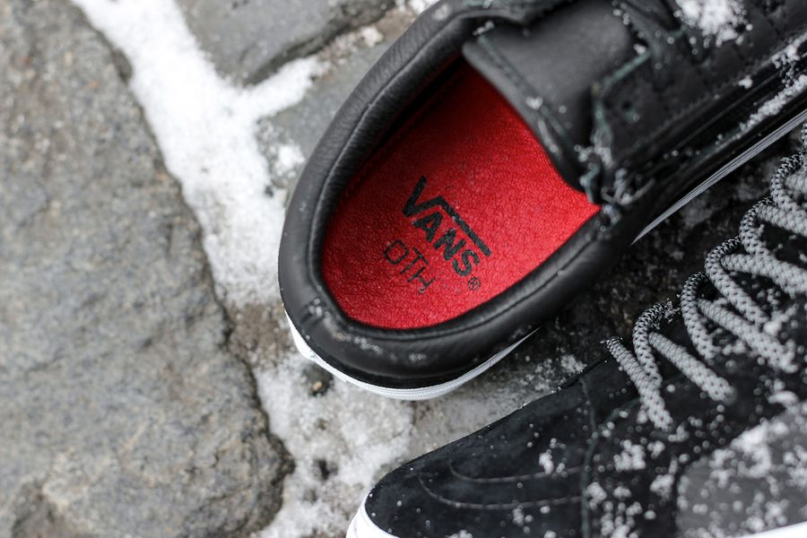 vans x raised by wolves x off the hook pack_07