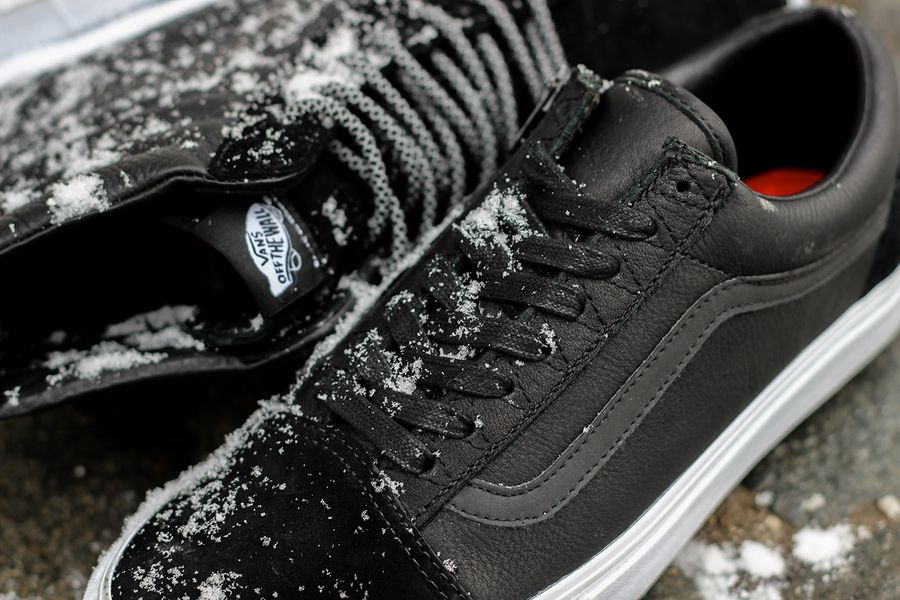 vans x raised by wolves x off the hook pack_08