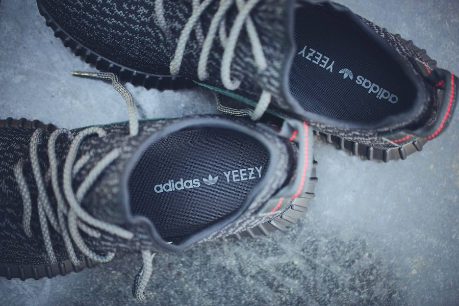 yeezy-pirate-black-2016_02