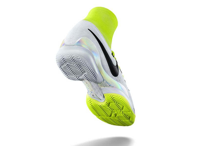 NikeCourt-Air-Zoom-Ultrafly-2
