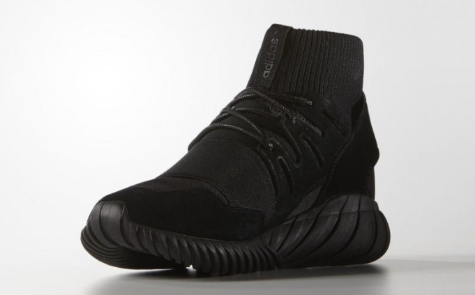 adidas-tubular-doom-black-1-681x423