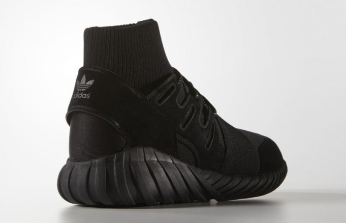 adidas-tubular-doom-black-2-681x438