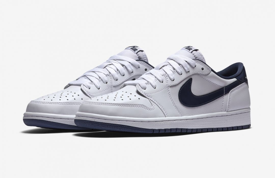 air-jordan-1-low-og-white-midnight-navy-681x443