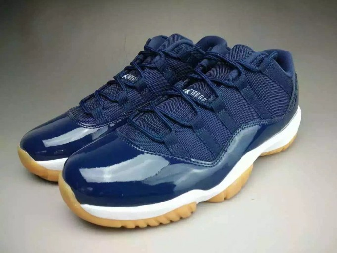 air-jordan-11-low-midnight-navy-gum-release-date-681x511