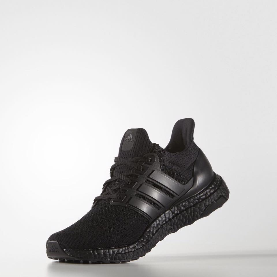 black-ultra-boost-adidas_02