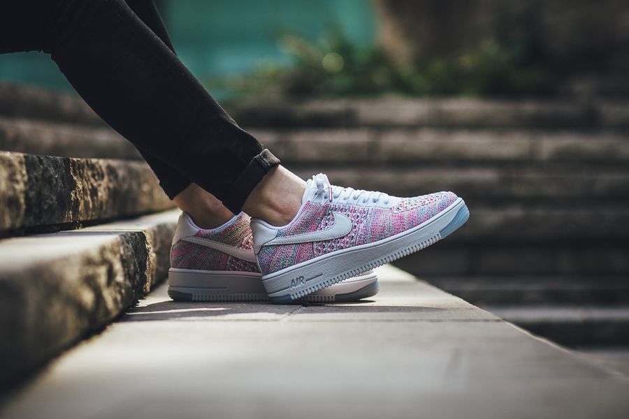 nike-air-force-1-flyknit-radiant-emerald_03